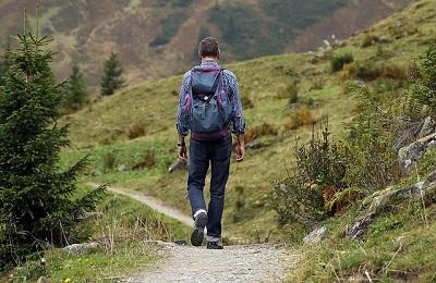 「目指す山を決める」~介護職の心のあり方~