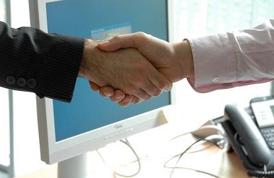 楽々くらサポの握手の画像